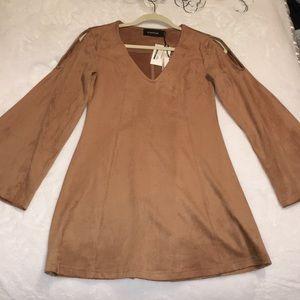 MINKPINK Bell Sleeve 70's Dress (Size XS)